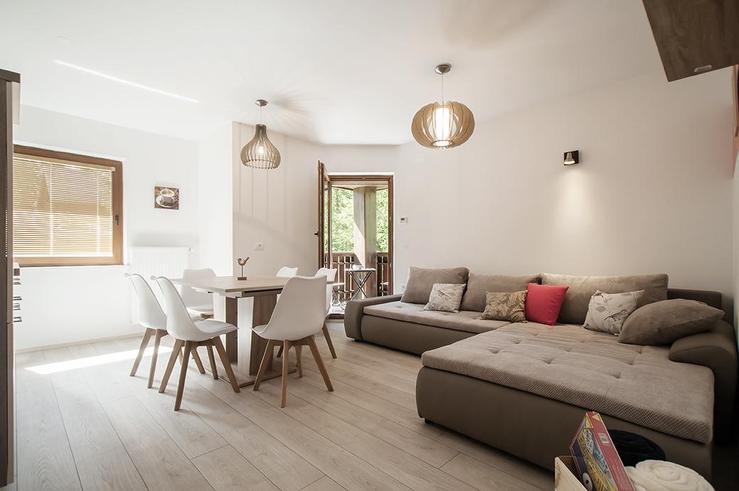 Fox - living room